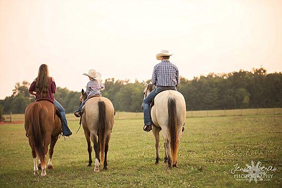 family photos riding horses