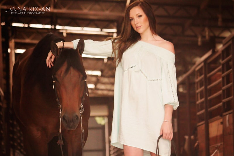 high school senior with her horse- texas equine photographer- jenna regan photography